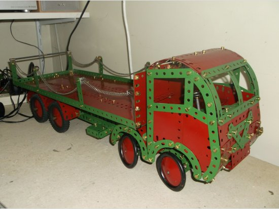 8-wheeler lorry from refinished parts