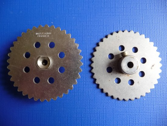 "17- N°95 Sprocket Wheel 2"" diam."