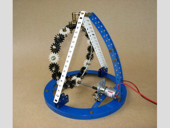 Möbius Gears Loop using Meccano MPGs - from the rear.
